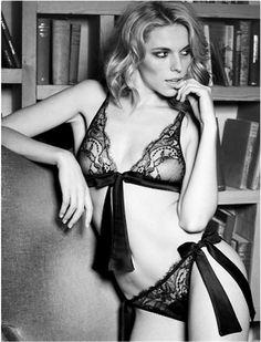 Black Boudoir Bra  #fleur #of #england #signature #black #collection #underwear #bra #thong #string #tulle #silk #lace #satin #lingerie #bloglingerie #lebloglingerie #dentelle #soie #sous-vetement