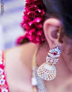 Bride-in-spectaculer-diamond-jhumka.jpg 486×620 pixels