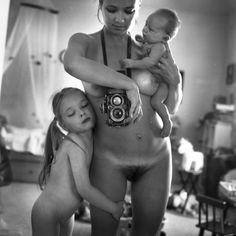 La foto censurada por Facebook de la fotógrafa rusa Anastasia Chernyavsky. Una auténtica preciosidad.