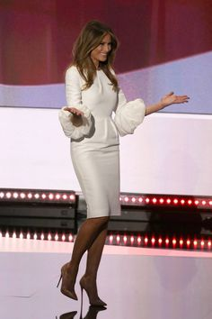 Elegant Dresses Classy, Classy Dress, Luxury Girl, First Lady Melania Trump, Cool Style, My Style, Fashion Stylist, Couture Fashion, I Dress
