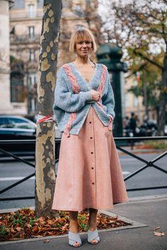 Fashion spring paris chic 64 Ideas for 2019 Best Street Style, Looks Street Style, Street Style Trends, Spring Street Style, Cool Street Fashion, Look Fashion, Trendy Fashion, Fashion Outfits, Fashion Design