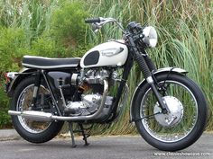 Old Triumph Motorcycles for Sale   Copyright © Classic Showcase 2013, All rights reserved