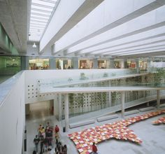 Image 42 of 147 from gallery of Cultural Centers: 50 Examples in Plan and Section. Photograph by Guy Wenborne Renzo Piano, In Plan, How To Plan, Museum Art Gallery, Cultural Center, Atrium, Plaza, Lighting Design, Interior Architecture