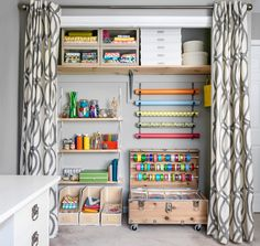 Cheap closet systems are here to meet the market that does not have to be expensive. To benefit the specific needs of your closet organization. Craft Room Design, Craft Room Decor, Home Decor, Craft Rooms, Craft Organization, Closet Organization, Craft Storage, Storage Ideas, Organizing