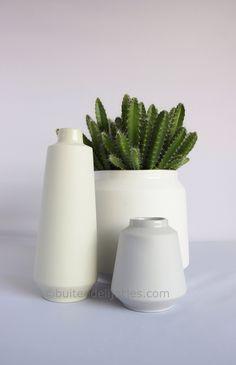New handmade Ceramic vases at buitendelijntjes.com