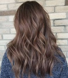 Look no further! Mushroom brown hair color is perfect for those who like ashy tones. Try mushroom brown balayage, ombre or different types of highlights.