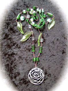 """Halsband """"Boho 5"""" - Långt grönt halsband med runt hä..."""