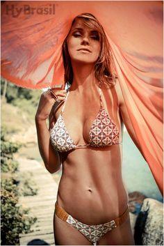 Chegou a nova coleção Hy Brasil na Adoro Presentes! Acesse nosso shopping virtual e saia arrasando neste verão! #adoro #summer #biquini #verão #bikini #azulejo #beach #chic