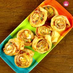Tender grilled chicken, mozzarella and Cheddar cheese, fresh parsley and barbeque sauce, everything wrapped in a soft puff pastry sheet and then baked in the oven. This is a kind of snack you will want to grab every day.