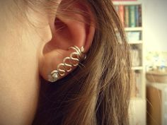 Picture of Swirled wire ear cuff