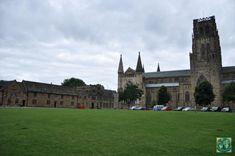 Durham e unul din cele mai vizitate orașe istorice din Anglia, iar una din cele mai bune atracții e Catedrala Durham care e din 1986 un Obiectiv din Patrimoniul Mondial Unesco