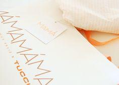 Sistema de identidad para Dia de la Madre (Tucci). Realizado en Estudio FBDI. Detalle bolsa, hang tag saludo y papel seda.