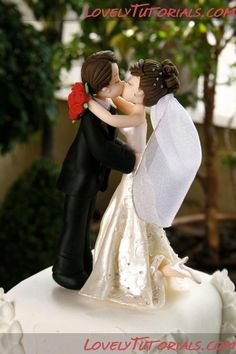 Kissing wedding couple cake topper tutorial