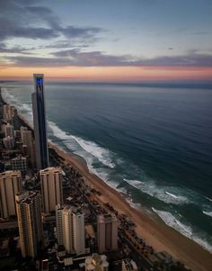 Surfers Paradise, Gold Coast, QLD http://www.huno.com.au/hotels/gold-coast-2165087
