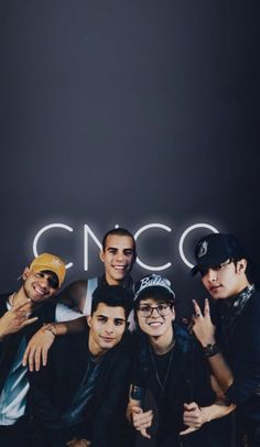 Cosas bien idiotas :v Cnco Band, Boy Bands, Collage Background, Background Pictures, Twenty One Pilots, Throwback Songs, Band Wallpapers, Fb Memes, Big Love