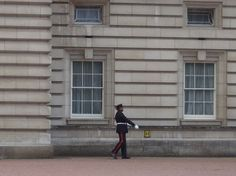 the guard in Buckingham palace