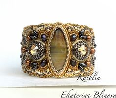 Kate Blinova  is talanted bead artist from Russia. She makes beautiful jewelry in bead embroidery technic using natural gemstones, hight qu