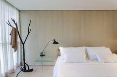 Galeria de Apartamento Praça Henrique Monteiro / Studio Arthur Casas - 41 Studio Arthur Casas, Bedroom, Home Decor, Arch, Log Projects, Bedhead, Bedrooms, Decoration Home, Longbow