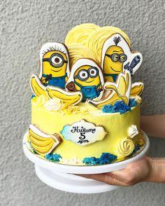 296 отметок «Нравится», 8 комментариев — Торты в Минске   CAKES.BY (@cakesby) в Instagram: «Banana!! Судя по вашим пожеланиям , Миньоны вернулись ! всем понравилась третья часть !?…»