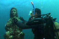 La Virgen submarina a la que rezan los buceadores - Aleteia