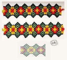 CХЕМИ силянок, кольє з бісеру (con imágenes) Beading Patterns Free, Peyote Patterns, Beading Tutorials, Beading Projects, Diy Bracelets Patterns, Bead Loom Bracelets, Beaded Jewelry Patterns, Seed Bead Flowers, Beaded Flowers