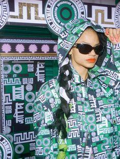 Stylesight-M.I.A-X-Versus-Versace-4