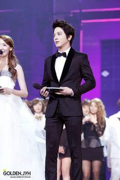 MC Jung Yong Hwa!!!!