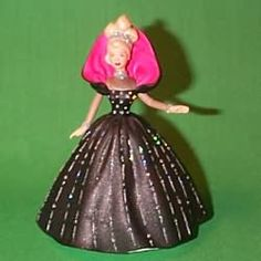 1998 HALLMARK ORNAMENTS - BARBIE - HOLIDAY #6 - $35.00 - MIB