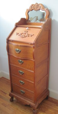 Lexington Victorian Sampler Collection Lexington Victorian Door Triple Dresser 391 235 With