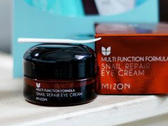 Mizon snail repair eye cream - a big jar for a small price tag, and it works great too! #beauty #eyecream #snailcream #korean #skincare