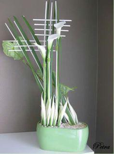 Decoratieve parallelschikking - voorjaarsbloemstukje maken met anthuriums