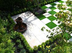 Courtyard photos - contemporary - landscape - vancouver - THOMAS KYLE: Landscape Designer