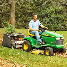 Riding mower with leaf collection attachment Best Lawn Mower, Best Riding Lawn Mower, Fall Lawn Care, Lawn Care Tips, Riding Mower Attachments, Mowing Strip, Electric Mower, Self Propelled Mower, Lawn Irrigation