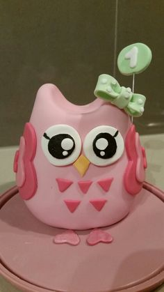 Gumpaste Owl cake topper Hand sculpted by Veronica Arthur at With