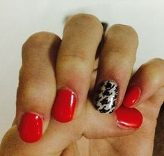 #houndstood passion; easy mani  red Apple coloured