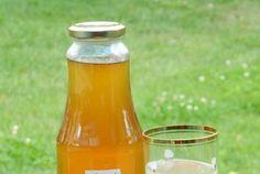 Sirop din flori de soc Hot Sauce Bottles, Dessert Ideas, Drinks, Syrup, Canning, Beverages, Drink, Beverage, Drinking