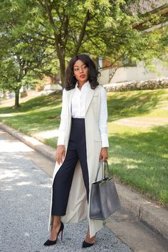 Work Style: Simplicity - Jadore-Fashion - work style, trendlee fendi www. Corporate Outfits, Corporate Fashion, Business Casual Outfits, Business Fashion, Corporate Chic, Corporate Women, Classy Work Outfits, Chic Outfits, Fashion Outfits