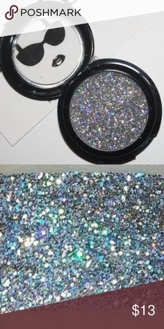 Diamonds HD Glitter Product Details Apply our intense easy to use loose glitter on top of a glitter adhesive for a jewel- encrusted affect that lasts all day with very little fall out. When removing, simply remove with water.   PRO TIPS: -Apply a thin even layer of glitter adhesive  -dip finger or brush into STYL HD Glitter -Dab the glitter on over the adhesive, pick up more glitter as needed applying until the area is completely covered in glitter.  -Wait about 10 seconds for the glitter to…
