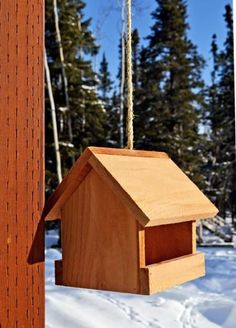 Kiddos interested in woodworking?  This is a great starter project just uses a cedar fence picket.  Diy project outdoor cedar bird feeder house kids woodworking beginner easy.
