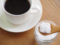 O café com óleo de coco é uma ótima opção para dar energia, saciedade e ajudar na perda de peso. Saiba quando consumir e como preparar esta bebida.