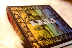 O Calendário Pirelli é um ícone da arte contemporânea e objeto de desejo e coleção de quem é amante da fotografia e da arte como um todo. Desde 1964, quando nasceu a primeira edição, ele tem tiragem limitada, numerada