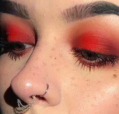 Eye Makeup Tips.Smokey Eye Makeup Tips - For a Catchy and Impressive Look Makeup Goals, Makeup Inspo, Makeup Art, Makeup Inspiration, Makeup Tips, Makeup Stuff, Make Up Looks, Cute Makeup, Pretty Makeup