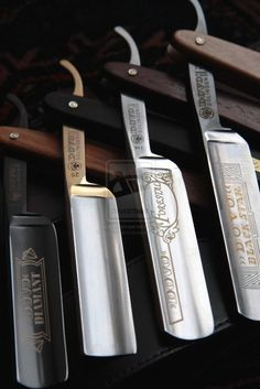 Straight razor - men's accessories oooh i love it! my kind of gentleMAN. Dovo Straight Razor, Straight Razor Shaving, Shaving Razor, Wet Shaving, Shaving Blades, Shaving Set, Shaving Stand, Shaving Trimmer, Art Of Manliness