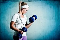 Looking to build strength and lean muscle? Start with our upper body weightlifting plan for beginners!