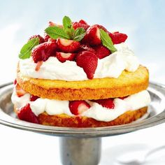 Savory magic cake with roasted peppers and tandoori - Clean Eating Snacks Strawberry Recipes For Summer, Strawberry Shortcake Recipes, Strawberry Desserts, Strawberry Fields, Summer Desserts, Summer Recipes, Marzipan, Polenta, Afternoon Tea Recipes