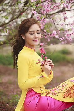 16432063402_ec5213d639_b | Áo Dài Lung Thị Linh | Flickr