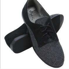 NWT Black Lace-up Oxfords by Qupid Give your oxford game an upgrade! These classic flats features a chic black chevron design front and smooth faux suede back. Truly stylish! Medium width. Buy a half size up for most comfort. Qupid Shoes Flats & Loafers