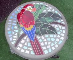 Items similar to Positively Brilliant Parrot Mosaic Stepping Stone- Handmade Stained Glass and Concrete Stepping Stone - Round on Etsy Custom Stained Glass, Stained Glass Birds, Stained Glass Designs, Stained Glass Projects, Stained Glass Patterns, Mosaic Patterns, Mosaic Animals, Mosaic Birds, Mosaic Pots
