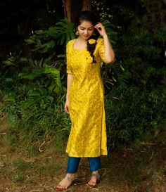As royal as a queen, as buzzed as a bee.This honeysuckle yellow banaras kurta and cyan blue cigarette pant pair is opulent, sophisticated… Indian Fashion Dresses, Dress Indian Style, Indian Outfits, Simple Kurta Designs, Kurta Designs Women, Dress Neck Designs, Blouse Designs, Stylish Dresses, Simple Dresses