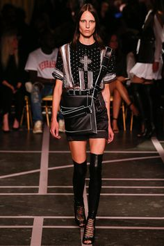 Givenchy Spring 2015 Ready-to-Wear - Collection - Gallery - Look 2 - Style.com